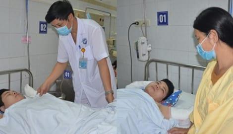 Đau nhói lòng cảnh nam sinh trường chuyên Nam Định bị bỏng đến 40% cơ thể