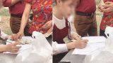 """Màn mừng cưới gây """"sốt"""" MXH Việt: Khách xếp hàng dài ghi sổ rồi vào ăn cỗ, không dùng phong bì"""