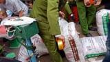 """""""Chặn đường"""" 4 tấn mì chính giả được mua ở Nam Định chuẩn bị ra thị trường"""