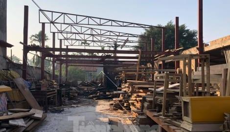 Cháy xưởng gỗ lúc rạng sáng, thiệt hại hàng trăm triệu đồng