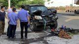 Nam Định – Va chạm với ôtô 7 chỗ, cặp vợ chồng đi xe máy tử vong tại chỗ