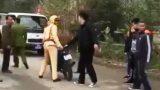 Nam Định: Tặng quà người quay clip đôi nam nữ đánh võng, vu vạ CSGT