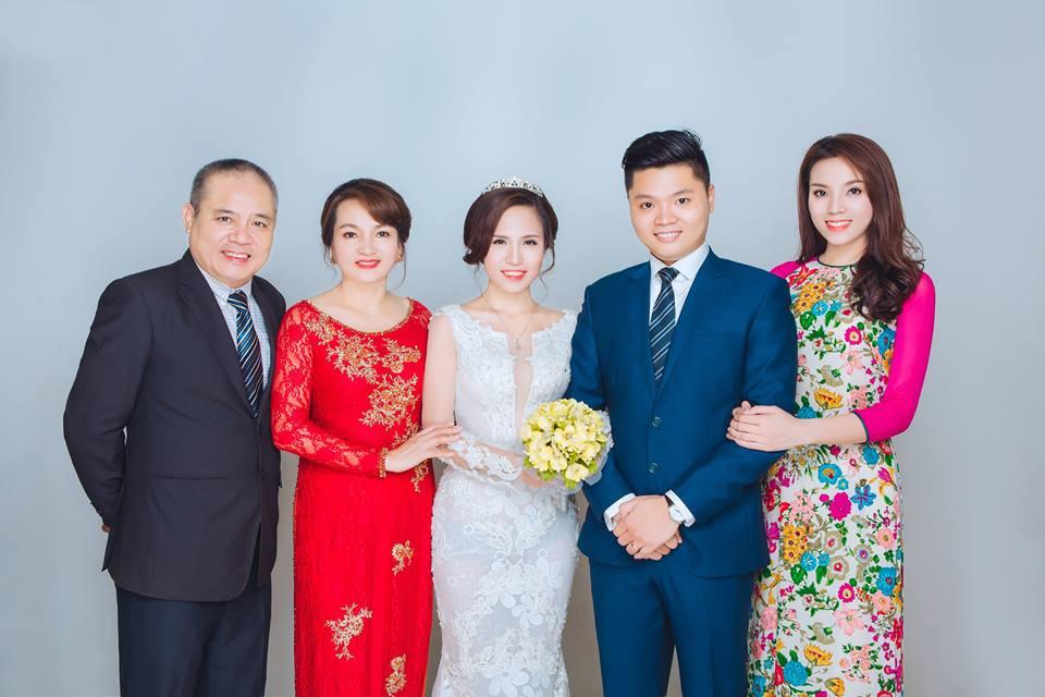 Bức ảnh cả gia đình hạnh phúc của gia đình Kỳ Duyên