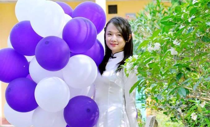 ũ Thu Thủy (HS trường THPT Trần Hưng Đạo - Nam Định) trở thành thủ khoa Học viện Báo chí