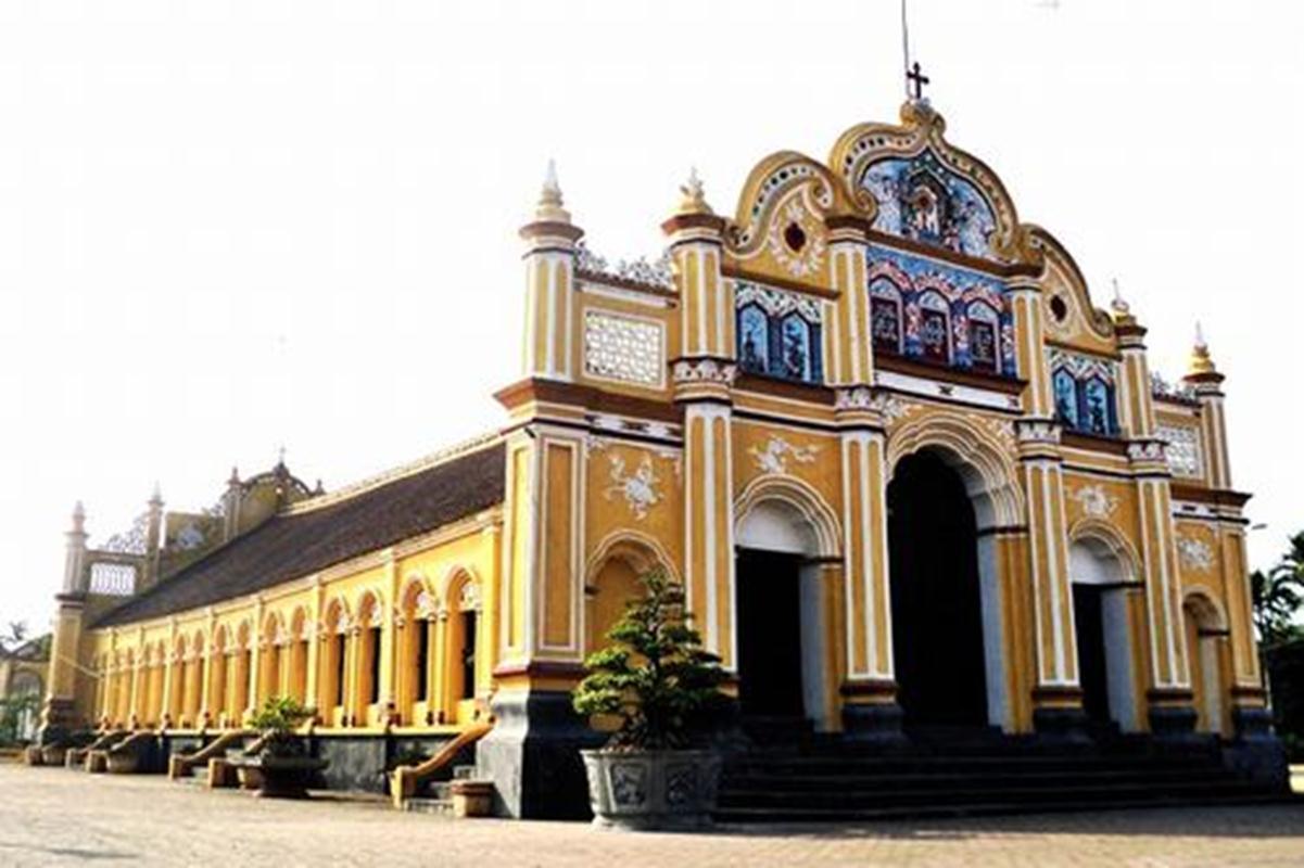 Nhà thờ xây bằng gỗ không dùng đinh Đông Cường.