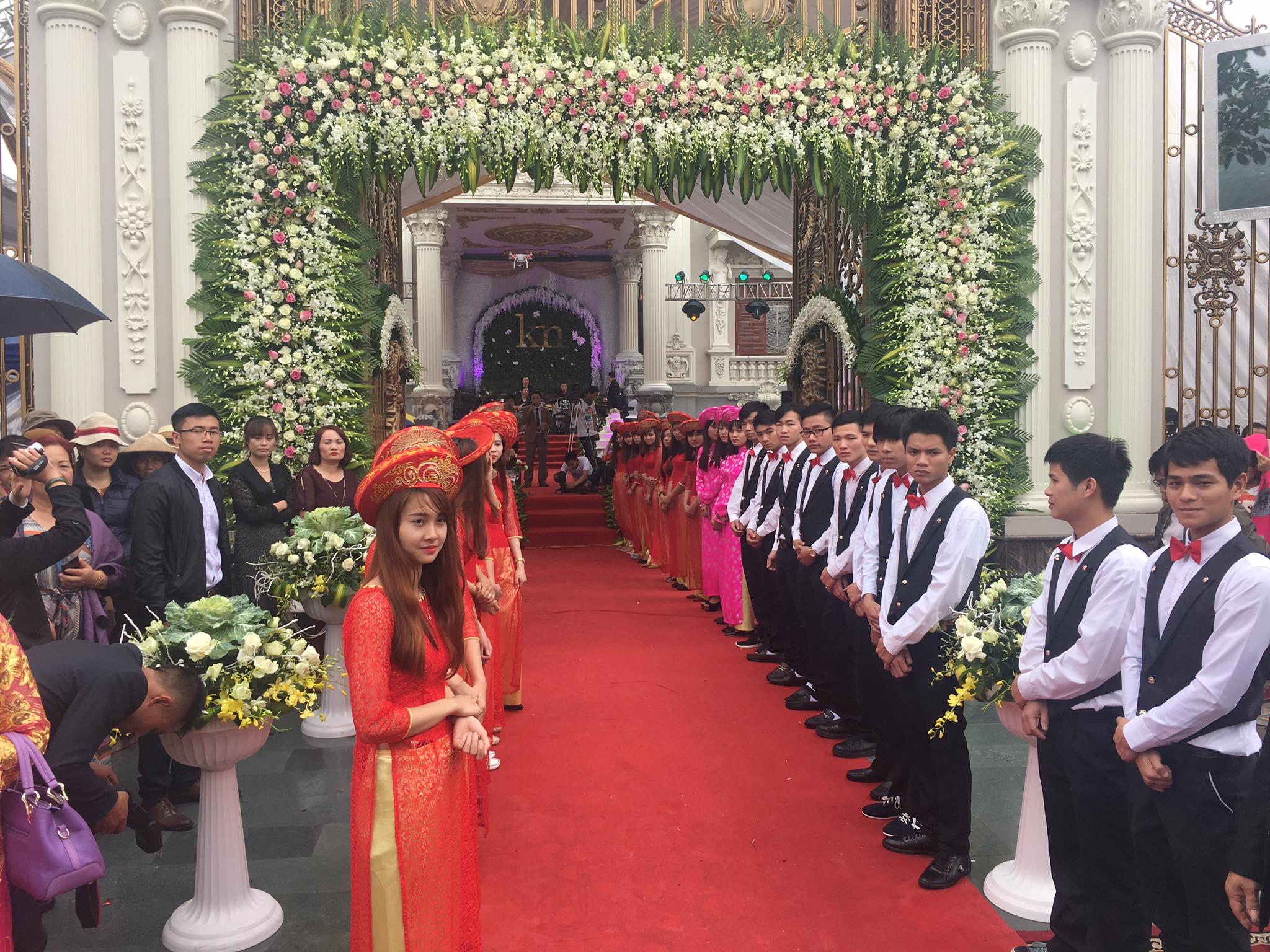 Đội hình bê quả ngày cưới