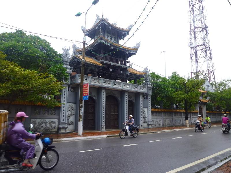 Tam quan chùa Vọng Cung (cổng chính)