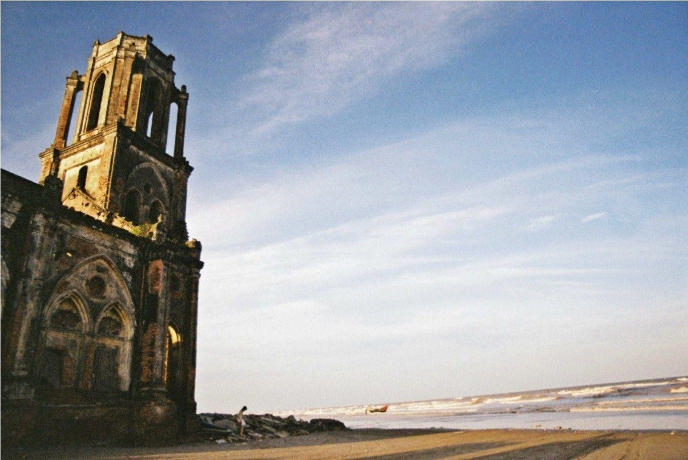 Nhà thờ Trái Tim nay đã bị bỏ hoang - Ảnh: Trần Hồng Quân