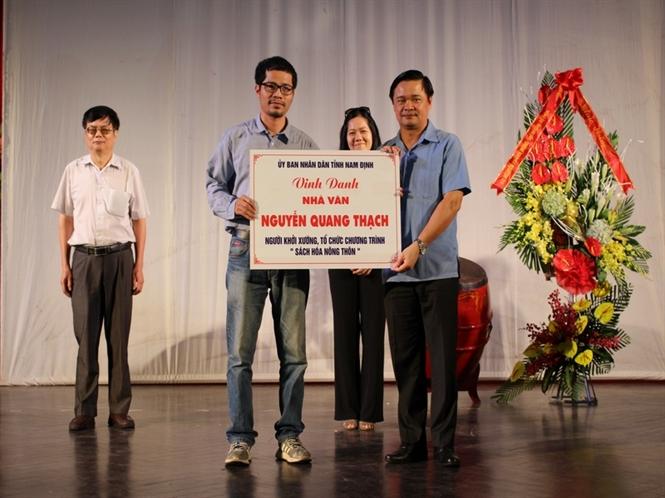 """Tỉnh Nam Định vinh danh người khởi xướng chương trình """"Sách hóa nông thôn"""""""