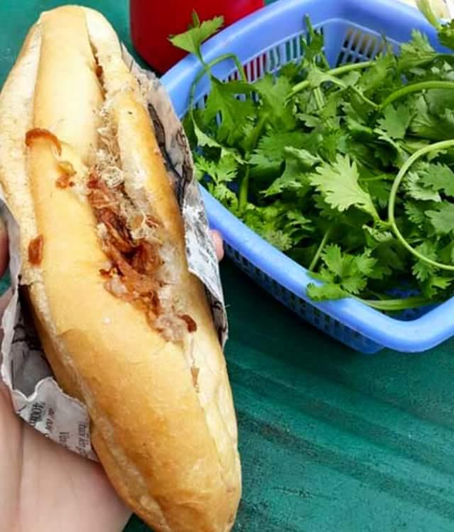 Bánh mỳ Pate Nam Định