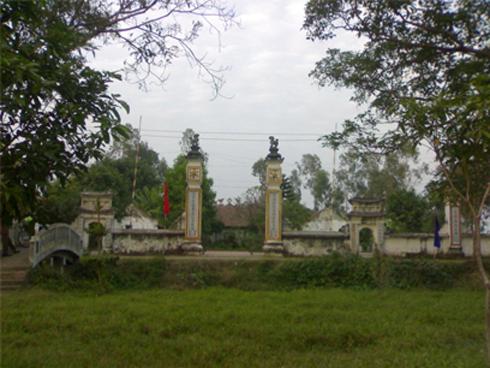 Thái sư Trần Quang Khải và công chúa Phụng Dương được thờ  tại làng Cao Đài, xã Mỹ Thành, huyện Mỹ Lộc, Nam Định.