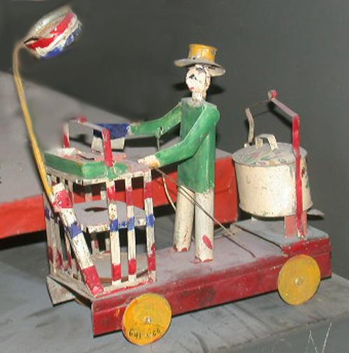 Đồ chơi hình gánh phở rong tại Bảo tàng Con người Paris