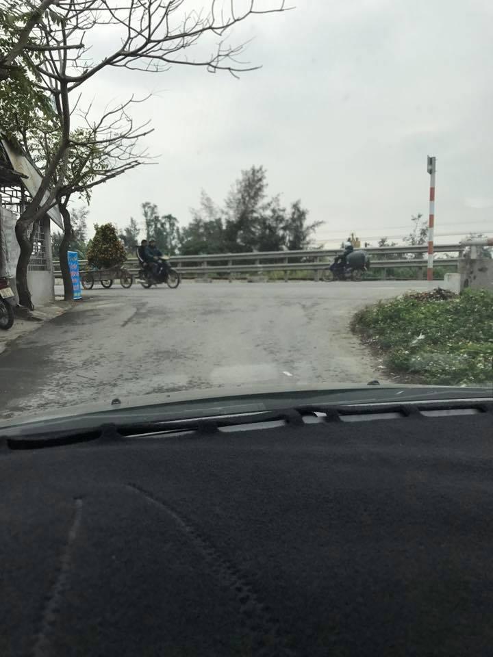 Rẽ trái đi Nam Định. Ảnh FBNV