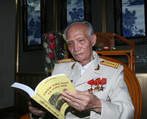 Đại tá Đinh Thế Hinh