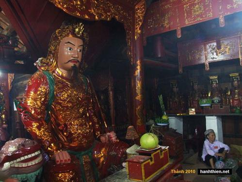 Quang cảnh thâm nghiêm trong chùa Thần Quang