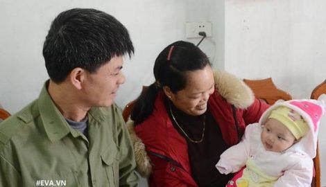 """Cái Tết """"to"""" nhất của cặp vợ chồng Nam Định tìm kiếm suốt 21 năm mới có được mụn con"""