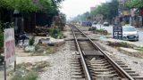 Nam Định: Băng qua đường sắt, lái xe ôm bị tàu hỏa đâm tử vong