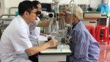 Thay thủy tinh thể miễn phí cho người cao tuổi ở Nam Định