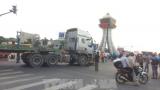 Nam Định: Đứng chờ đèn đỏ bị xe đầu kéo đâm tử vong