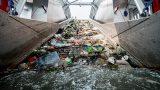 Hạ thủy công cụ thu gom rác trên sông để làm sạch cửa biển ở Nam Định