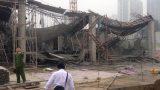 Sập giàn giáo công trình xây dựng khiến 3 người chết, nhiều người bị thương