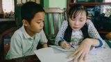 Nam Định: Lớp học miễn phí không bảng, phấn của cô giáo xương thủy tinh