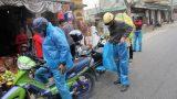 Nam Định: Người dân đội mưa đi hội chợ Viềng