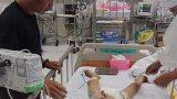 Bé trai 7 tuổi hôn mê sâu sau tiểu phẫu, gia đình tố bệnh viện tắc trách
