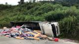 Tài xế lái xe tải Nam Định mất lái, hai người thương vong tại chỗ