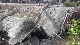 Nam Định: Cận cảnh cầu vừa được đổ bê tông bất ngờ đổ sập