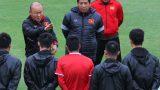 """Mạnh """"gắt"""" bị nhắc nhở trước toàn đội vì pha đánh nguội đội trưởng Malaysia"""