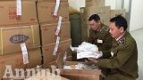 Vụ Bản: Thu giữ 70 thùng bánh, kẹo thiếu trọng lượng
