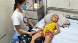 Nam Định: Bị ᴜ.ɴɢ ᴛʜ.ư ʜàɴʜ ʜạ, bé gái 5 tuổi vẫn nén đau lau nước mắt cho mẹ