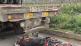 Xe đầu kéo chạy lùi, tông chết cô gái quê Nam Định trên đại lộ Thăng Long