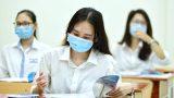 """Nam Định: Sĩ tử nháo nhác xem đề thi thử Ngữ Văn năm 2021 của Nam Định do 5 năm liền """"TRÚNG"""" đề thi tốt nghiệp chính thức"""