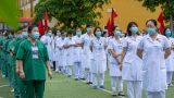 Thêm 375 'chiến sĩ áo trắng' chi viện Bắc Giang, Bắc Ninh