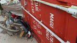 Xe container mất lái, rơi thùng đè chết một phụ nữ ở Bình Dương